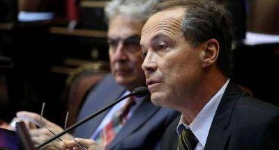 Giustiniani: Los aumentos �se hicieron sin audiencias previas�
