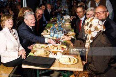 Presidente de Alemania participa de un iftar de Ramadan
