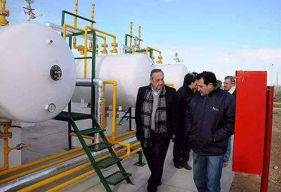 Lunghi recorrió la obra que permitirá extender el suministro de gas a todo Gardey