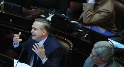 """Pichetto le apuntó a Macri: """"Algunos tontos piden que los jueces no sean políticos"""