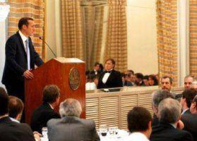 Gutiérrez reafirmó continuidad del petróleo a 67 dólares