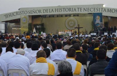 Con una multitudinaria misa quedó inaugurado el XI Congreso Eucarístico Nacional