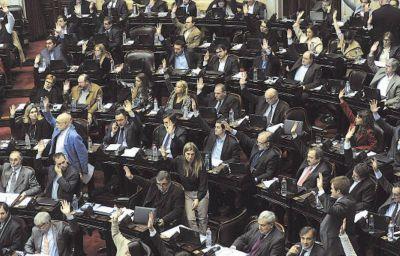 El oficialismo filtró traspaso de la UIF a Prat Gay en ley ómnibus
