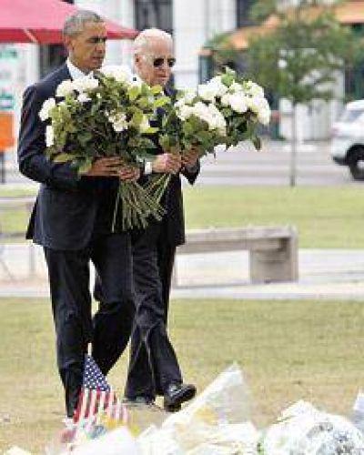 Obama visitó a familias de las víctimas