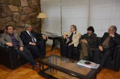 HAQUIM RECIBI� A INTEGRANTES DEL CIRCULO DE LEGISLADORES NACIONALES