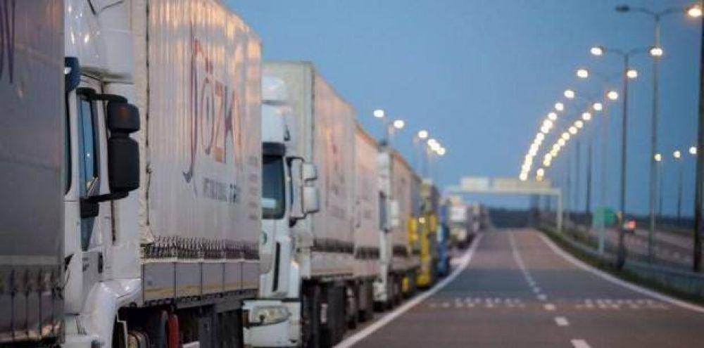 Si no hay acuerdo salarial hasta el miércoles, Camioneros lanzará el paro