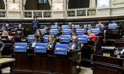 Se aprobó el proyecto que prohibe las reelecciones indefinidas de Intendentes y legisladores