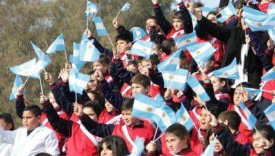 Schiaretti tomó juramento a la Bandera a 290 alumnos