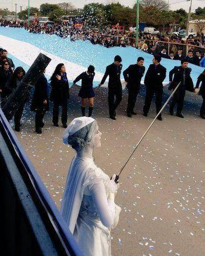 Peppo encabez� el acto central por el D�a de la Bandera en La Leonesa