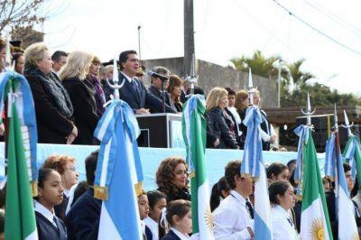 Capitanich encabezó el acto por el Día de la Bandera y destacó la figura emblemática de Belgrano