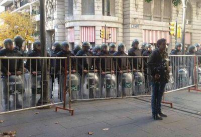 Esteche y 'Piter' Robledo se cruzaron por la represión de la gendarmería en Rosario