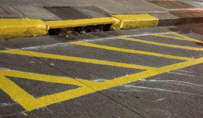 Ya no se podr� estacionar sobre los sumideros