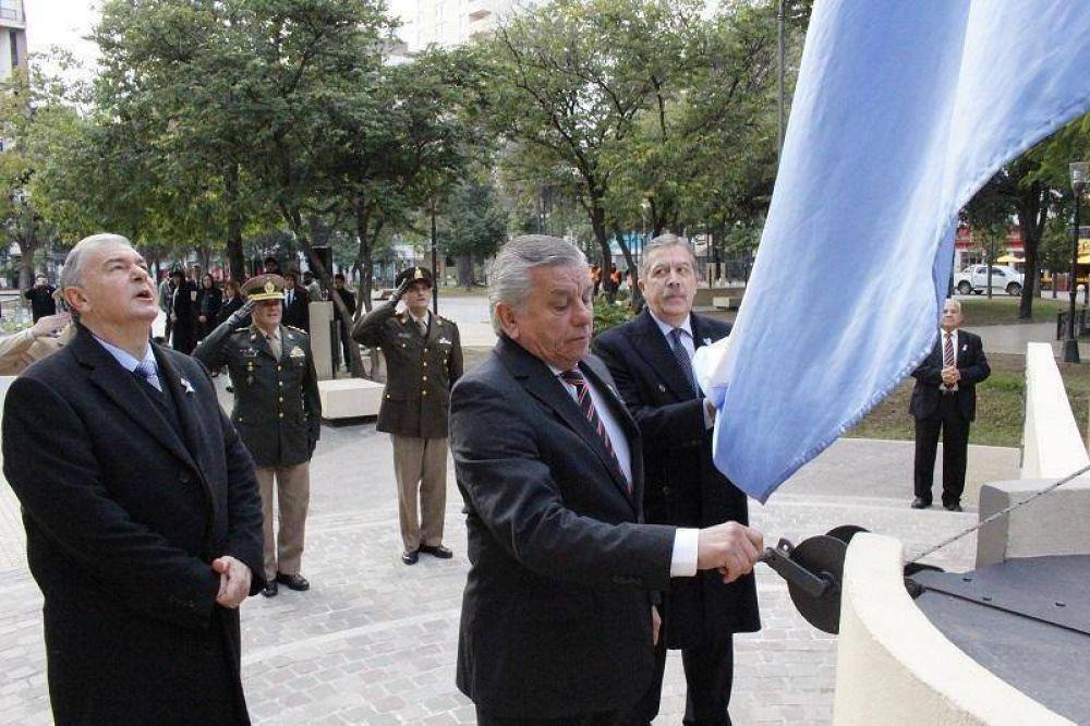 La Plaza Libertad fue el escenario del acto central por el Día de la Bandera