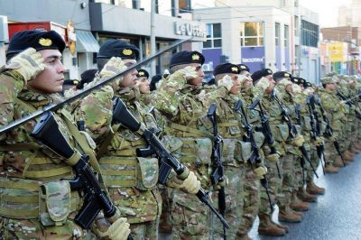 """Linares: """"Es un honor contar con nuevos soldados que juren defender con lealtad, nuestra patria"""""""