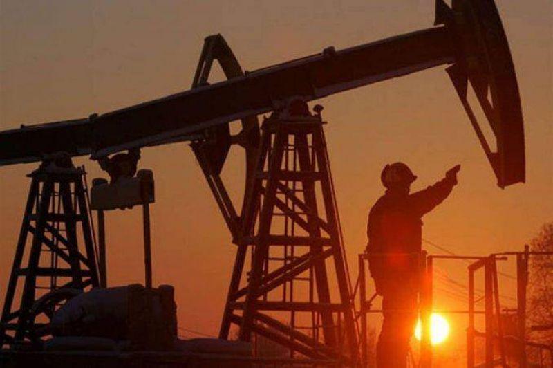 Con 300 despidos en puerta, Petroleros inicia retenci�n de servicios en PAE