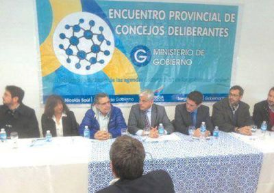 Debatieron sobre pol�ticas p�blicas para los municipios