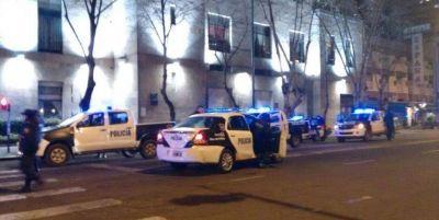 Hinchas de Alvarado causan graves incidentes en el centro