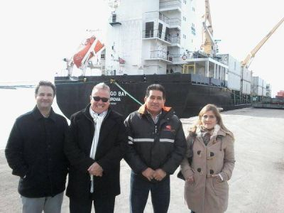Buscan consolidar al puerto como salida de toda la carga que produce la región