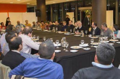 Rodr�guez Sa� se reuni� con representantes de 34 gremios de San Luis y Villa Mercedes