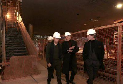 Larreta recorri� la �ltima etapa de las reformas del Teatro San Mart�n