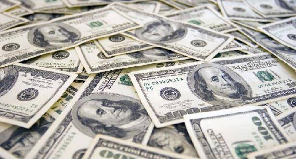 El dólar saltó 25 centavos a su mayor valor en dos meses: $ 14,54