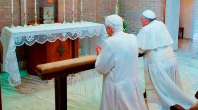 Papa Francisco: Benedicto XVI enseña con su vida cómo hacer teología de rodillas