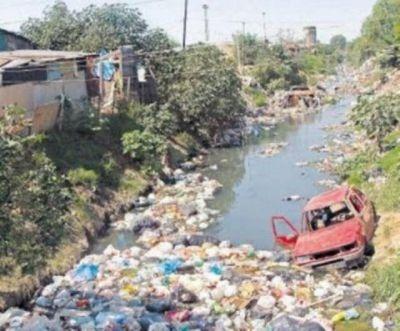 Esos barrios bacanes llamados countries se dedican a tapar de mierda a los pobres y contaminan a más no poder