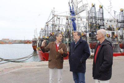 """Elustondo destacó al puerto como """"salida al mundo"""" de la producción regional"""