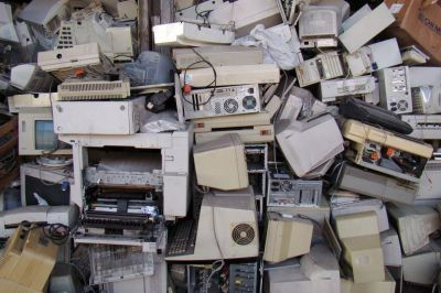 Sin el tratamiento adecuado, la basura electrónica pone en riesgo nuestra salud