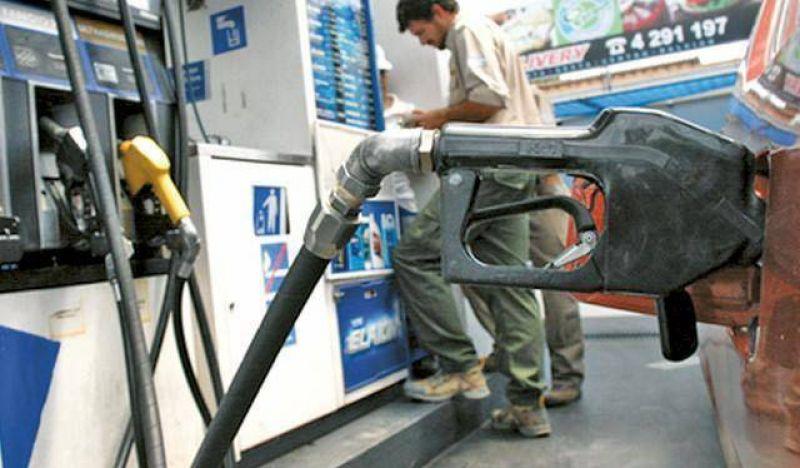 Paro de Petroleros: el martes podría faltar combustible en San Juan