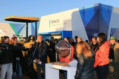 Con el sorteo del tractor que aportó el Gobierno, cerró la Expo Agronea 2016