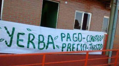 Yerbateros liberaron las rutas pero analizan cortar accesos a aeropuertos de Posadas e Iguazú