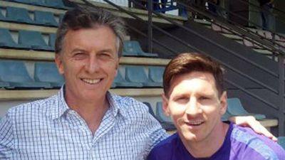 Mauricio Macri llamó a Lionel Messi para pedirle que siga en la Selección