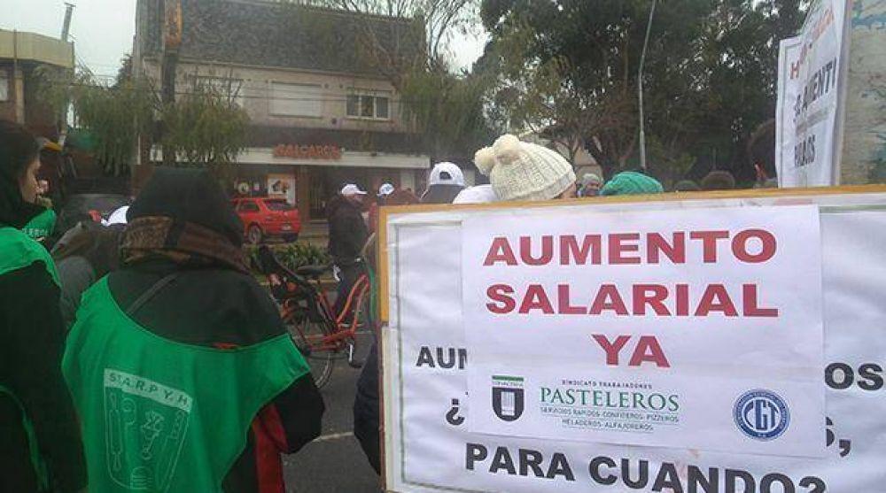 Nueva protesta ante falta de acuerdo salarial con el sector alfajoreros