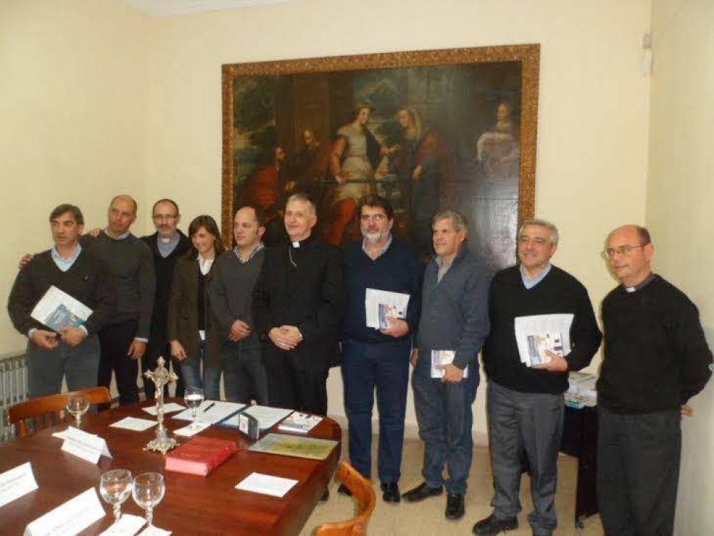 Mons. Torrado Mosconi y legisladores bonaerenses firman compromiso social