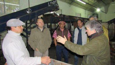 Irigoin visitó la planta de separación de residuos