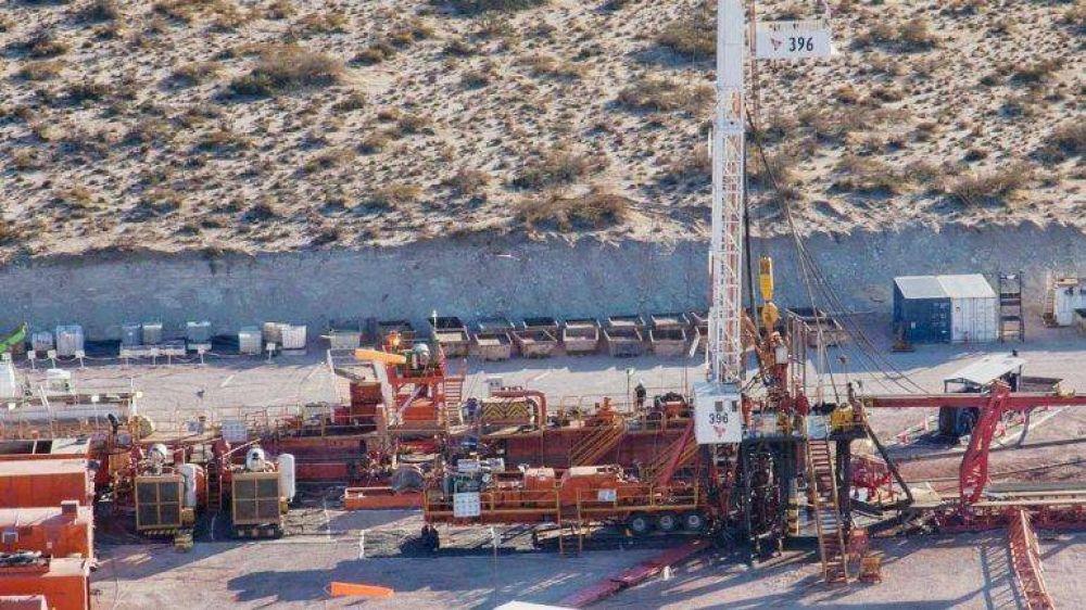 Tenso debate en el petróleo: sindicatos quieren más plata