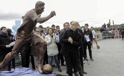 Rodríguez Larreta inauguró una estatua de Lionel Messi y pidió que el ídolo siga en la Selección