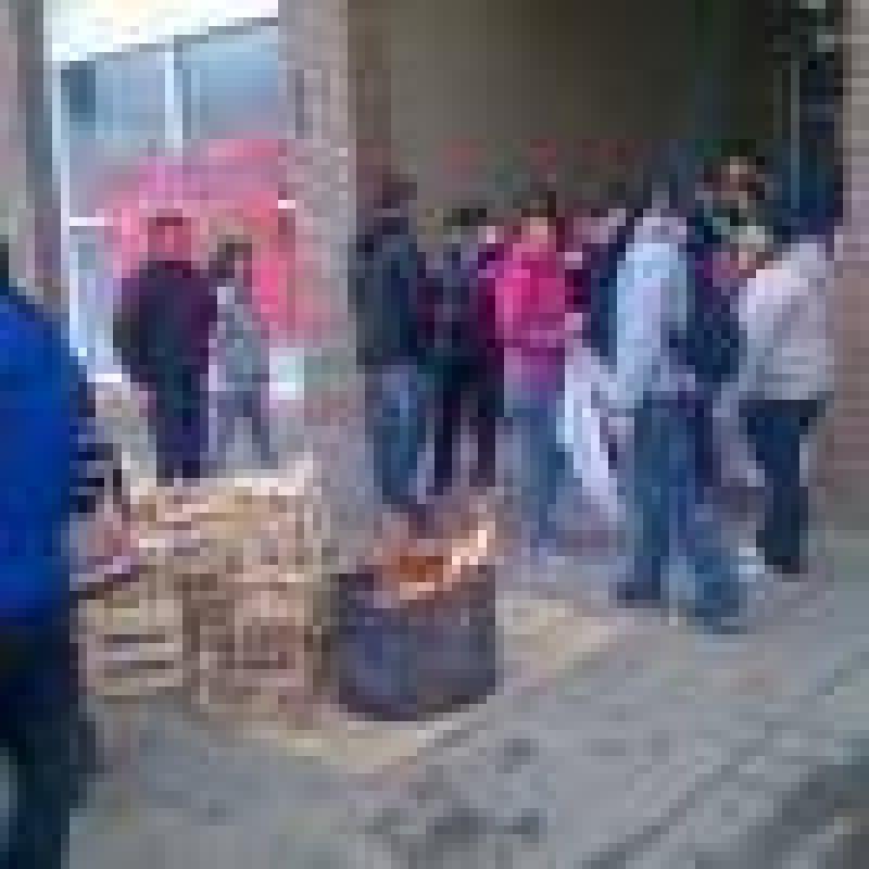 Colegios, Ministerio de Salud y Concejo Deliberante est�n tomados por gremios