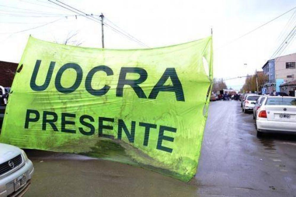 Más de 800 desocupados de Uocra cobraron subsidios provinciales ayer