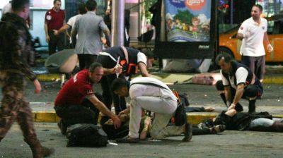 Crece la cifra de v�ctimas mortales del atentado en Estambul: hay al menos 13 extranjeros