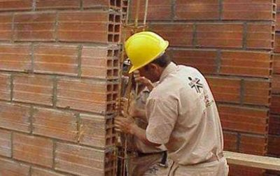 El empleo de la construcción cayó 11,9% y marcó el peor abril en 9 años