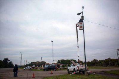 Tras compromiso de Arroyo, instalan cámaras de seguridad en la zona sur