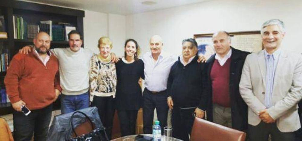 """Dirigentes de Cambiemos de Brown se reunieron con el """"Momo"""" Venegas"""