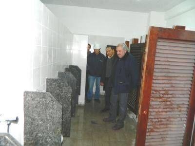 EL MUNICIPIO, A TRAVÉS DE OSSE, AVANZA CON LA REMODELACIÓN SANITARIA INTEGRAL DE LA ESCUELA PILOTO