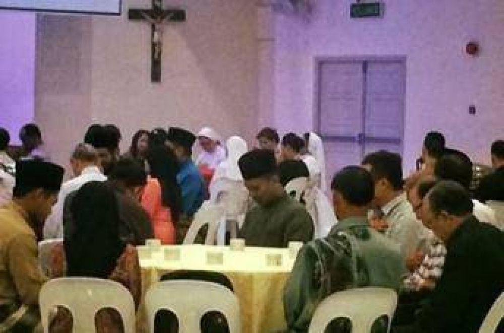 Iftar de Ramadán en una catedral en Malasia