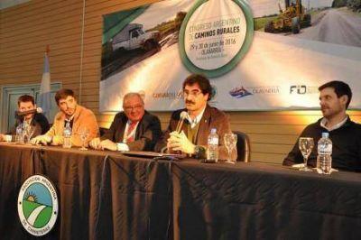 A poco de inaugurar el Congreso Nacional de Caminos Rurales, Sarquís anuncia visita a Trenque Lauquen