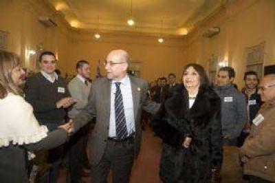 UNCA: fuerte respaldo para la reelección de Fama como rector