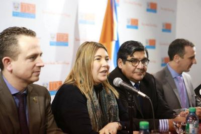 La gobernadora Rosana Bertone lanzó un Plan Quinquenal