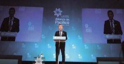 """Macri pateó el tablero: """"El Mercosur viene congelado, hay que converger al Pacífico"""""""